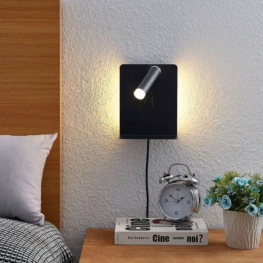 Lucande Zavi LED-veggspot med hylle, USB, svart