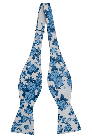 Bomull Sløyfer Uknyttede, Hvit bakgrunn med roser i to blåfarger, Hvit, Blomster