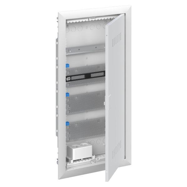 ABB UK600 2CPX031392R9999 Vakiokeskuskotelo ilmastoitu ovi 4-rivinen