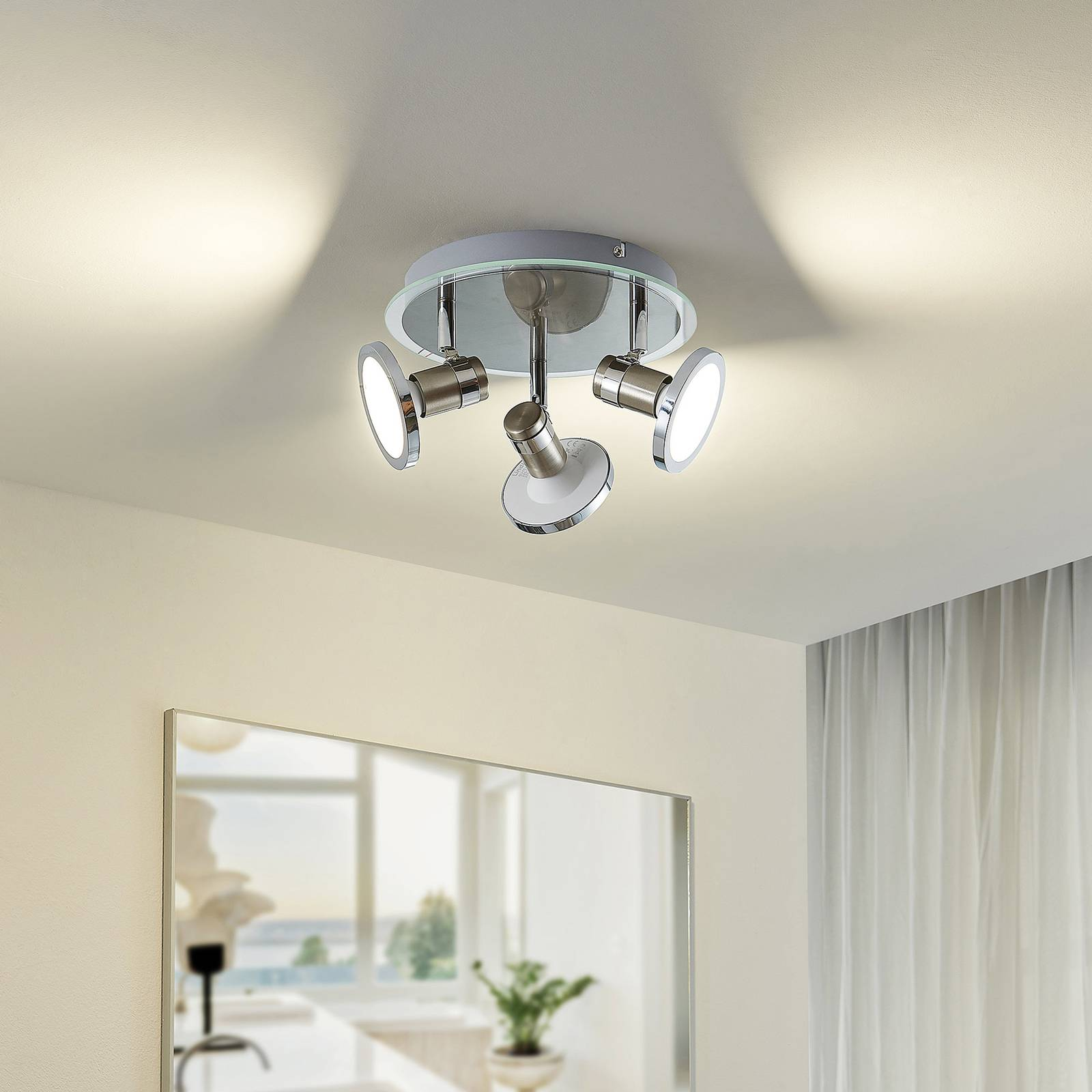 Lindby Stiglio -LED-valaisin, 3-lamppuinen