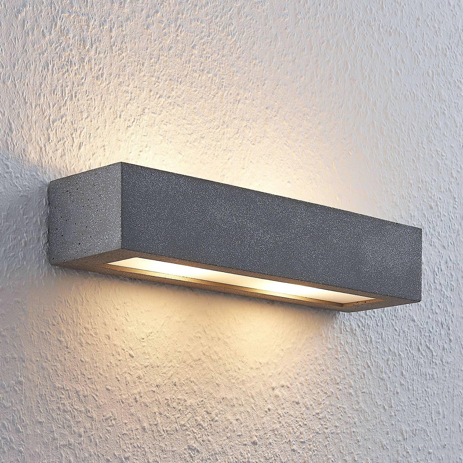 Lindby Nellie LED-seinävalaisin, leveys 36 cm