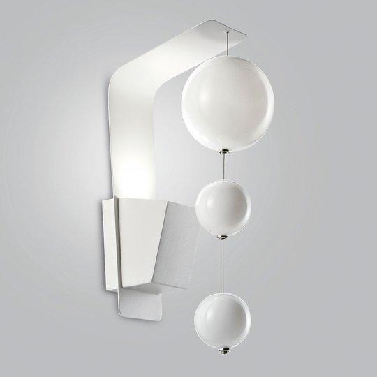 Vegglampe Bolero, hvitt feste, hvite kuler