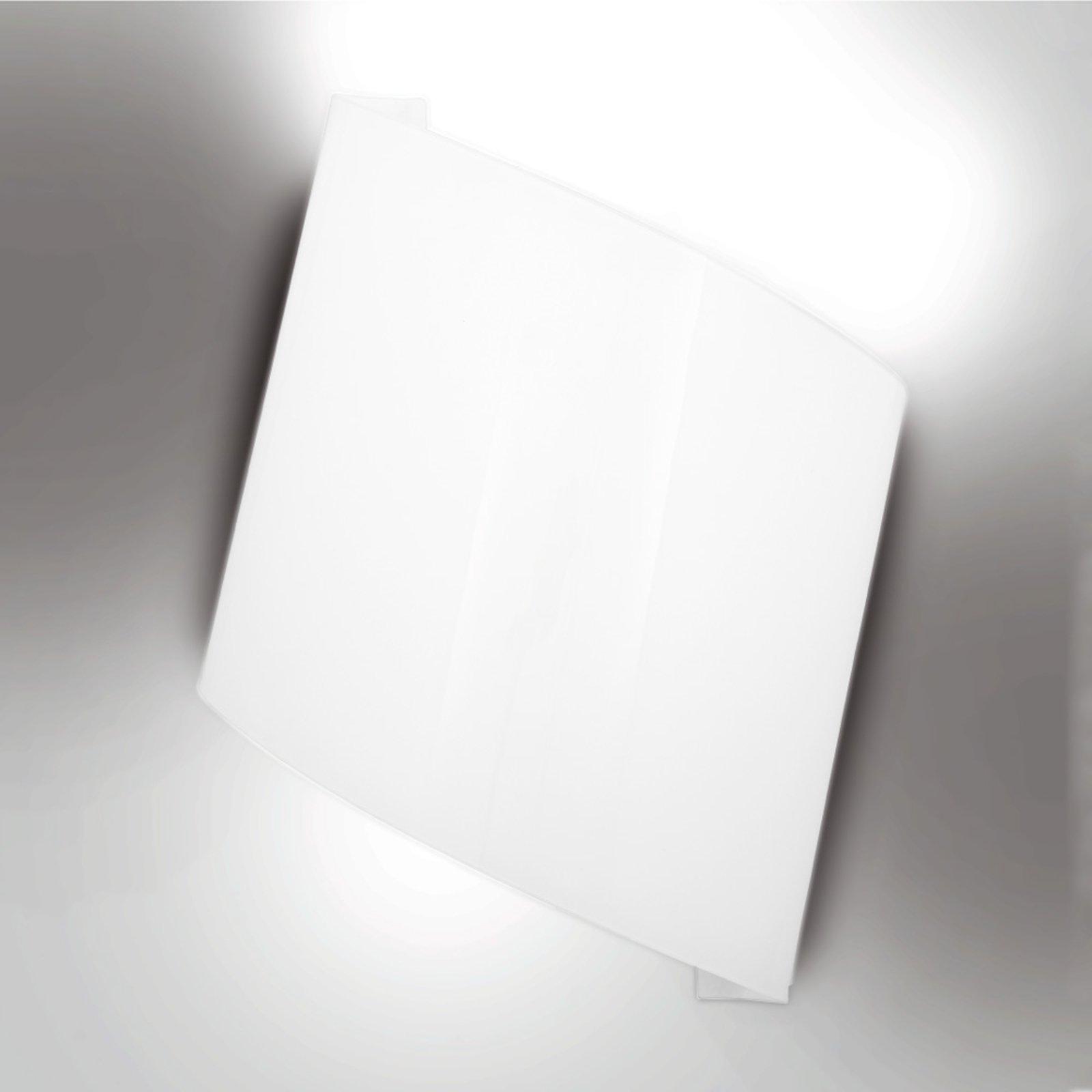 Flag hvit vegglampe