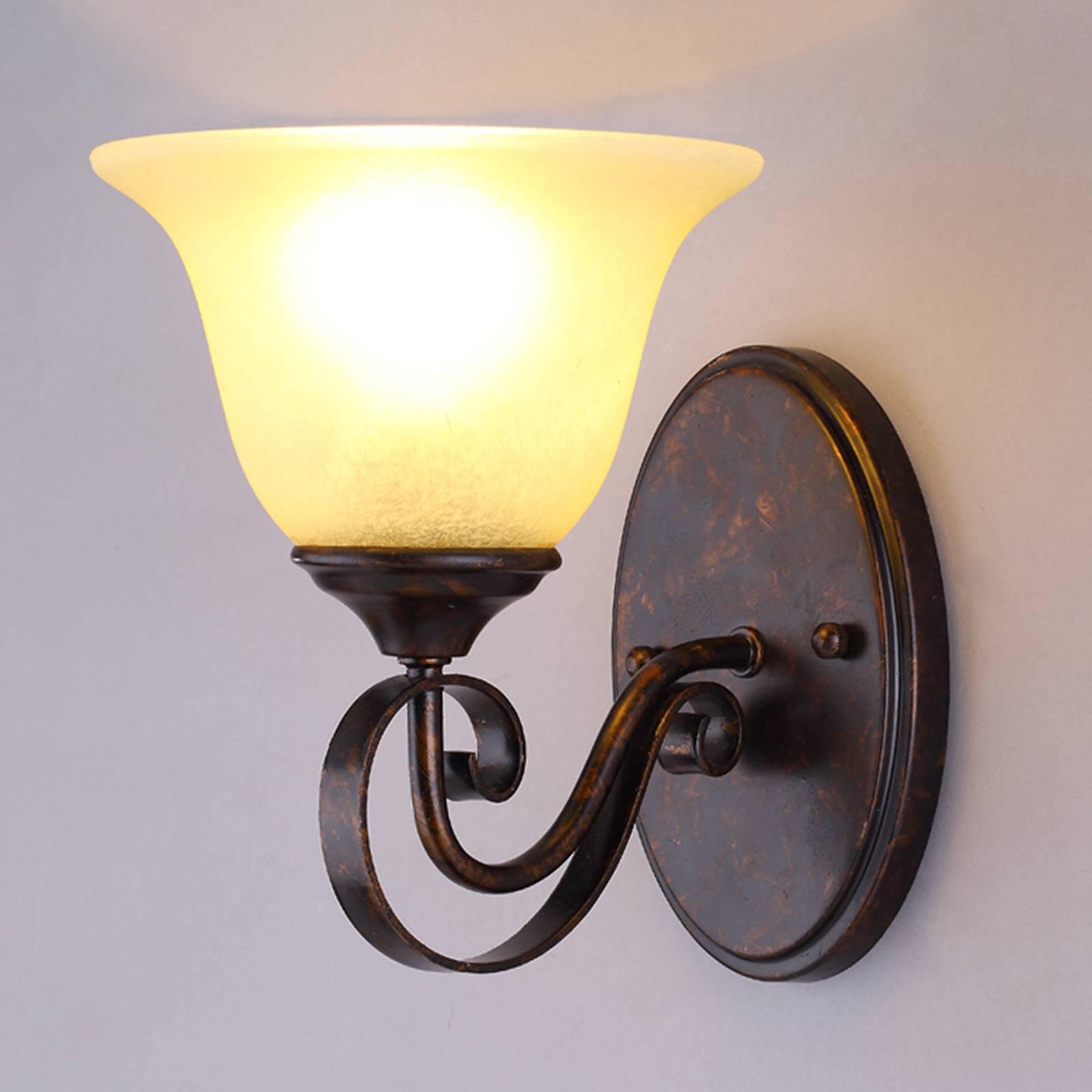 Maalaistyylinen Svera-seinävalaisin, E27-LED