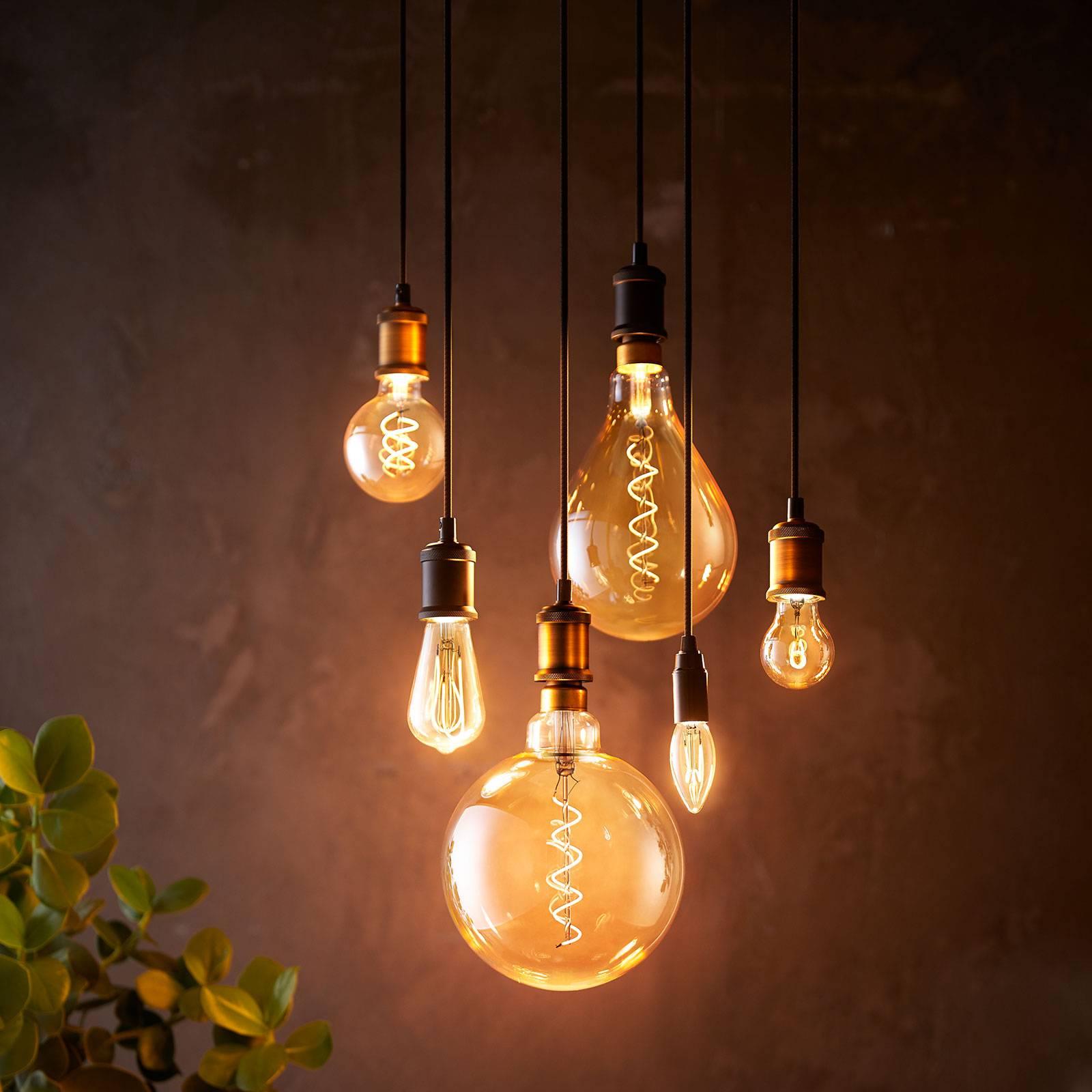 Philips-LED-lamppu E27 A60 5,5W 2.000K gold, him.