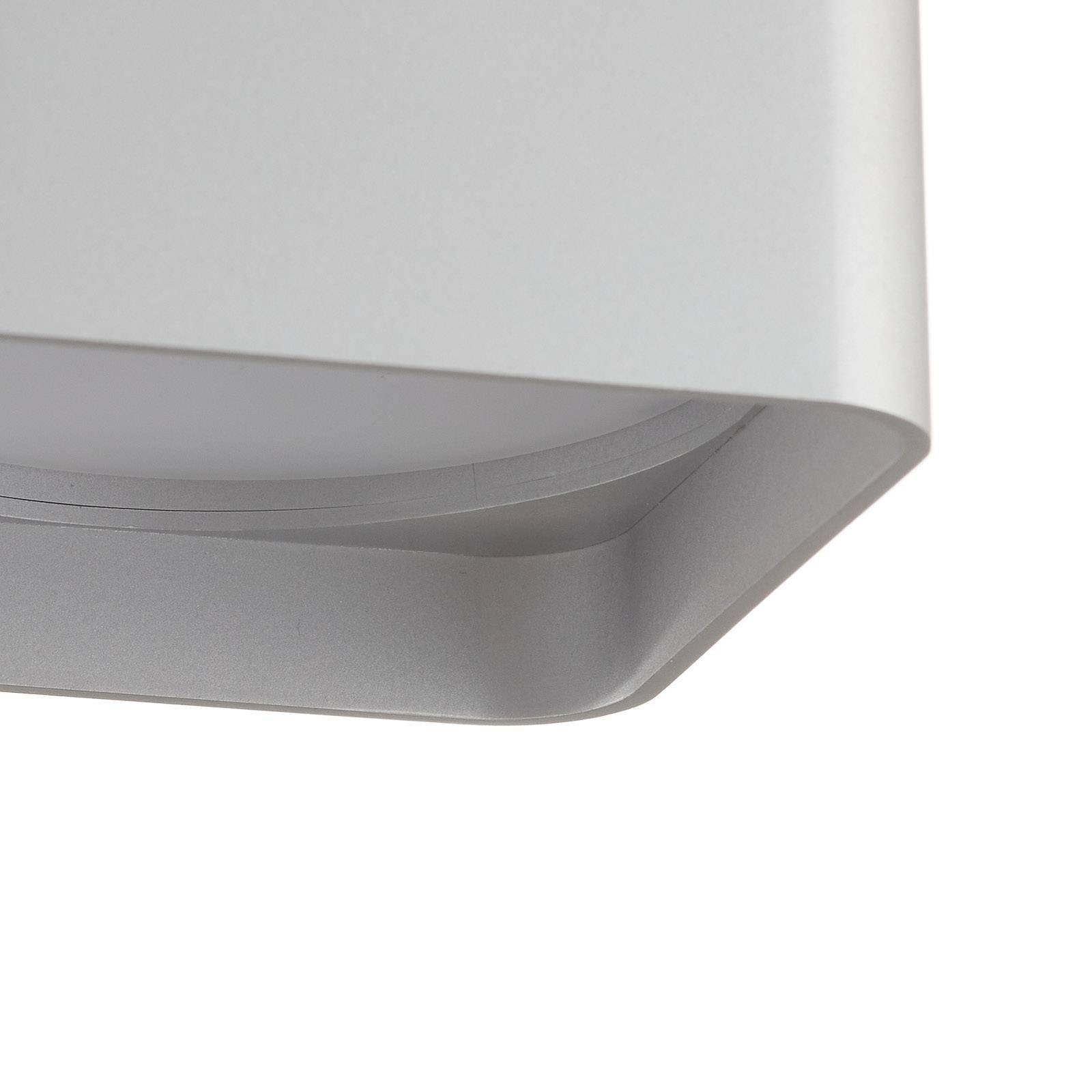 Helestra Dora LED-taklampe, kantet, matt sølv