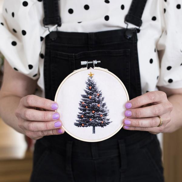 Christmas Tree Oatmeal Embroidery Hoop Kit