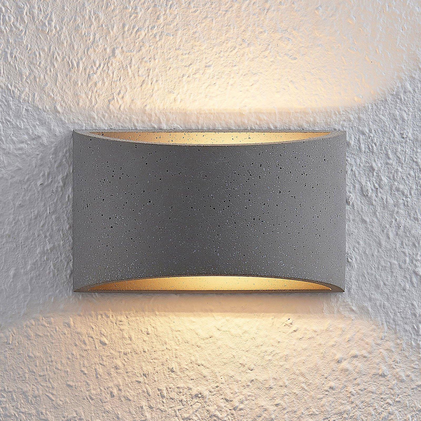 Lindby Edvin LED-vegglampe av betong, halvrund