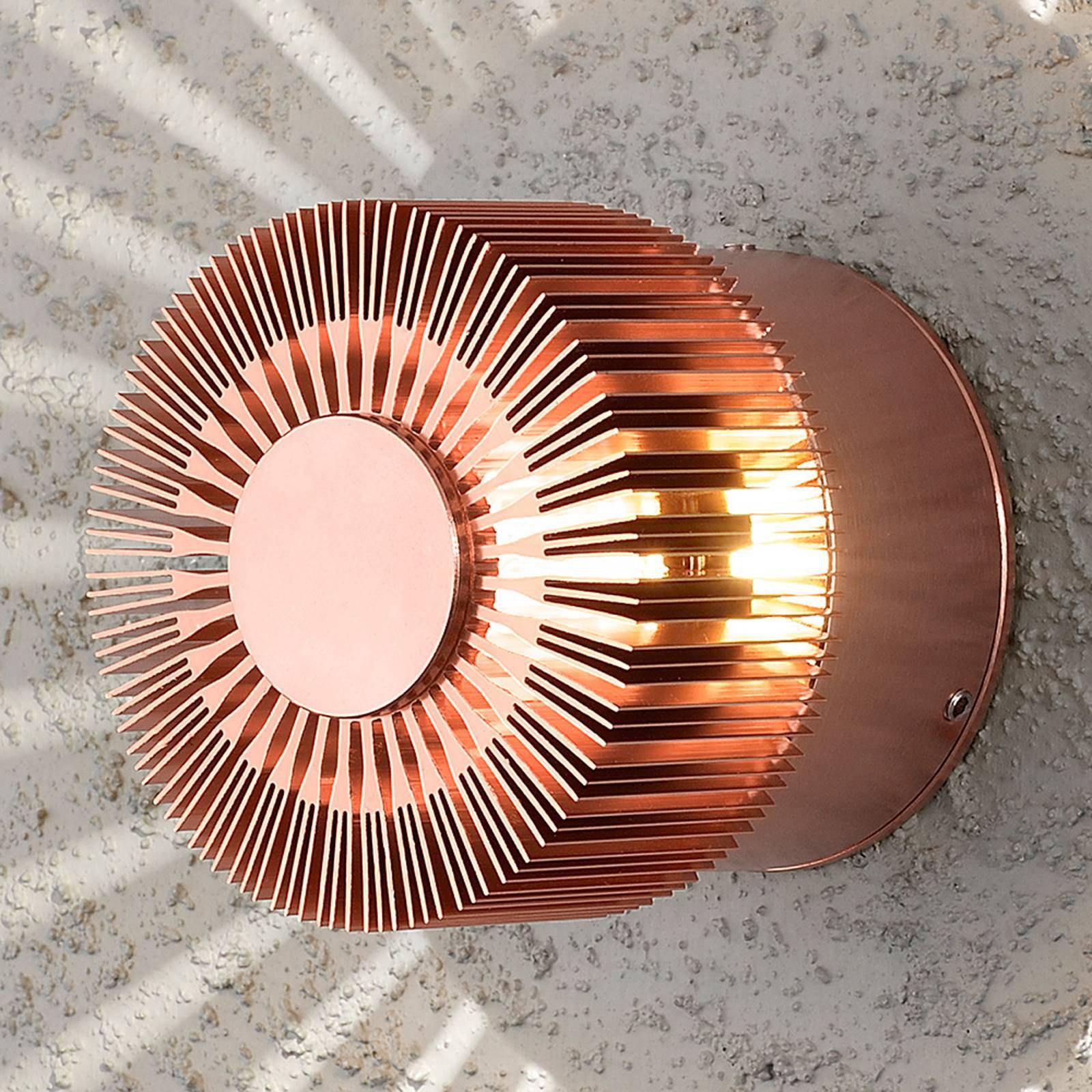 Kobberfarget vegghengt utelampe Monza med LED-lys