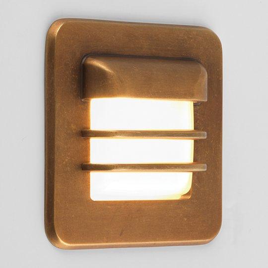 Astro Arran LED-uppovalaisin, kulmikas