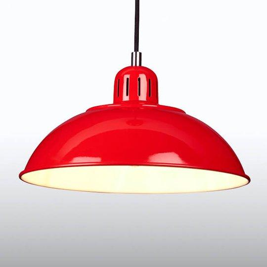 Punainen Franklin-riippuvalo retro-designilla