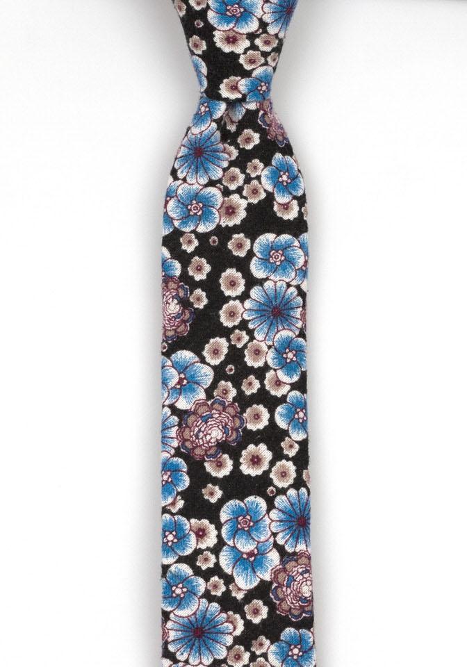 Bomull Smale Slips, Blå og lilla blomster mot svart bakgrunn