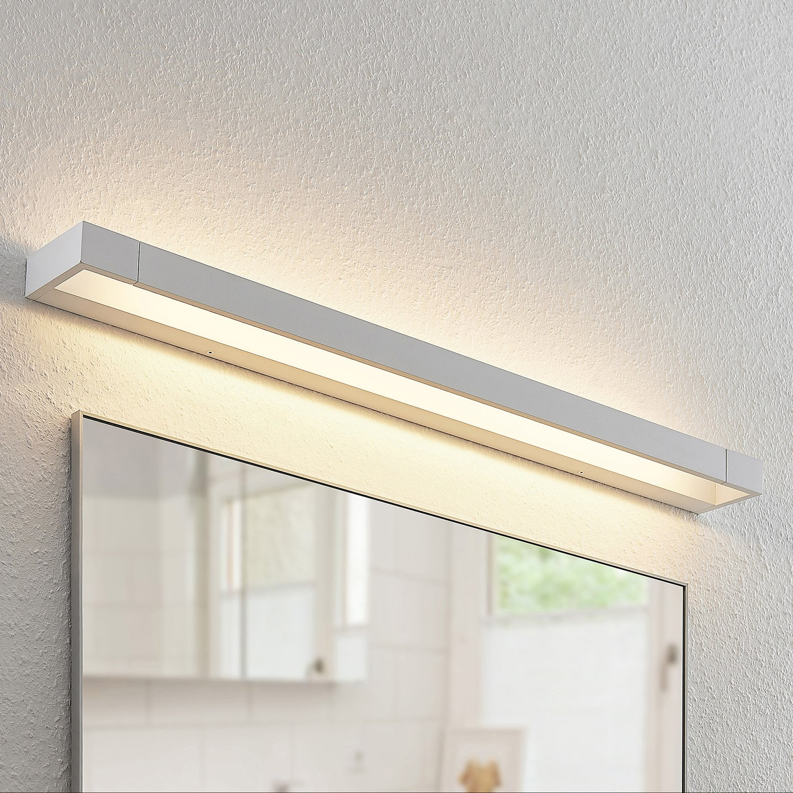 Arcchio Jora LED-vegglampe, IP44, hvit, 90 cm