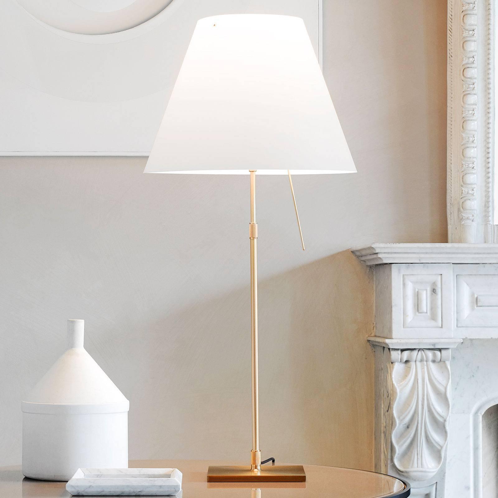 Luceplan Costanza bordlampe D13 messing/hvit