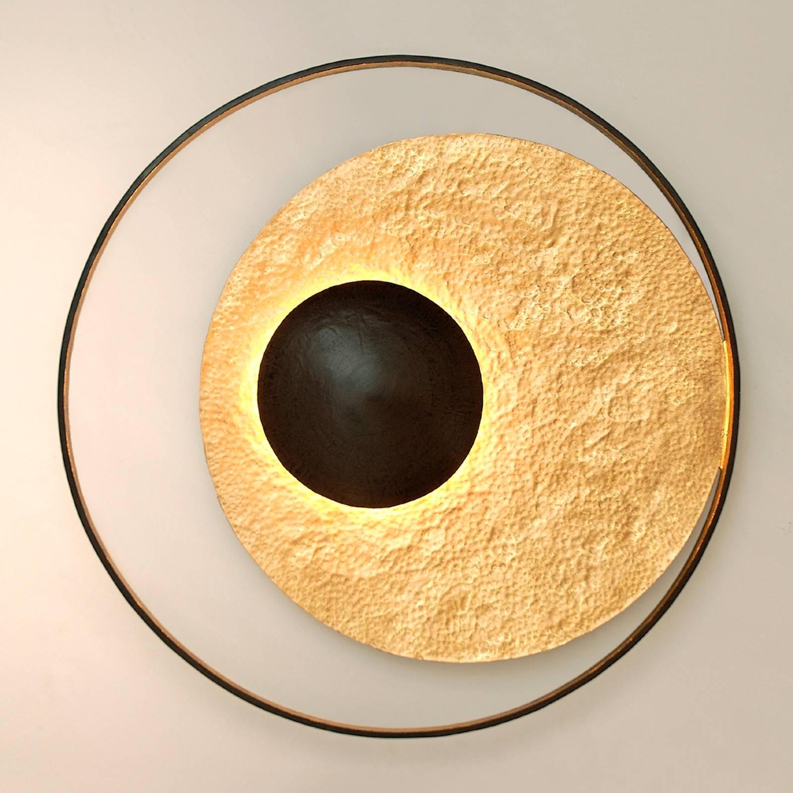 Satellite-seinävalaisin, kullanruskea, Ø 90 cm