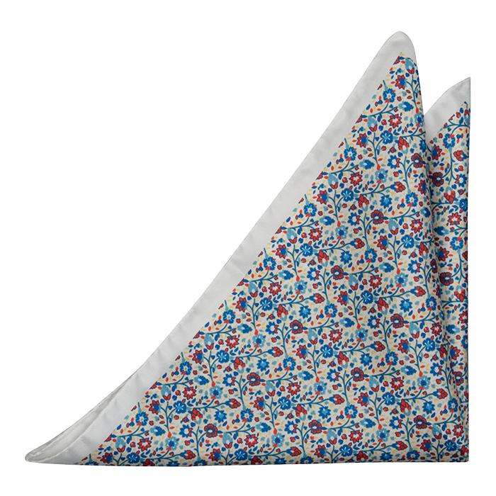 Silke Lommetørkler, Små blå & røde blomster på hvit base, Hvit, Blomster