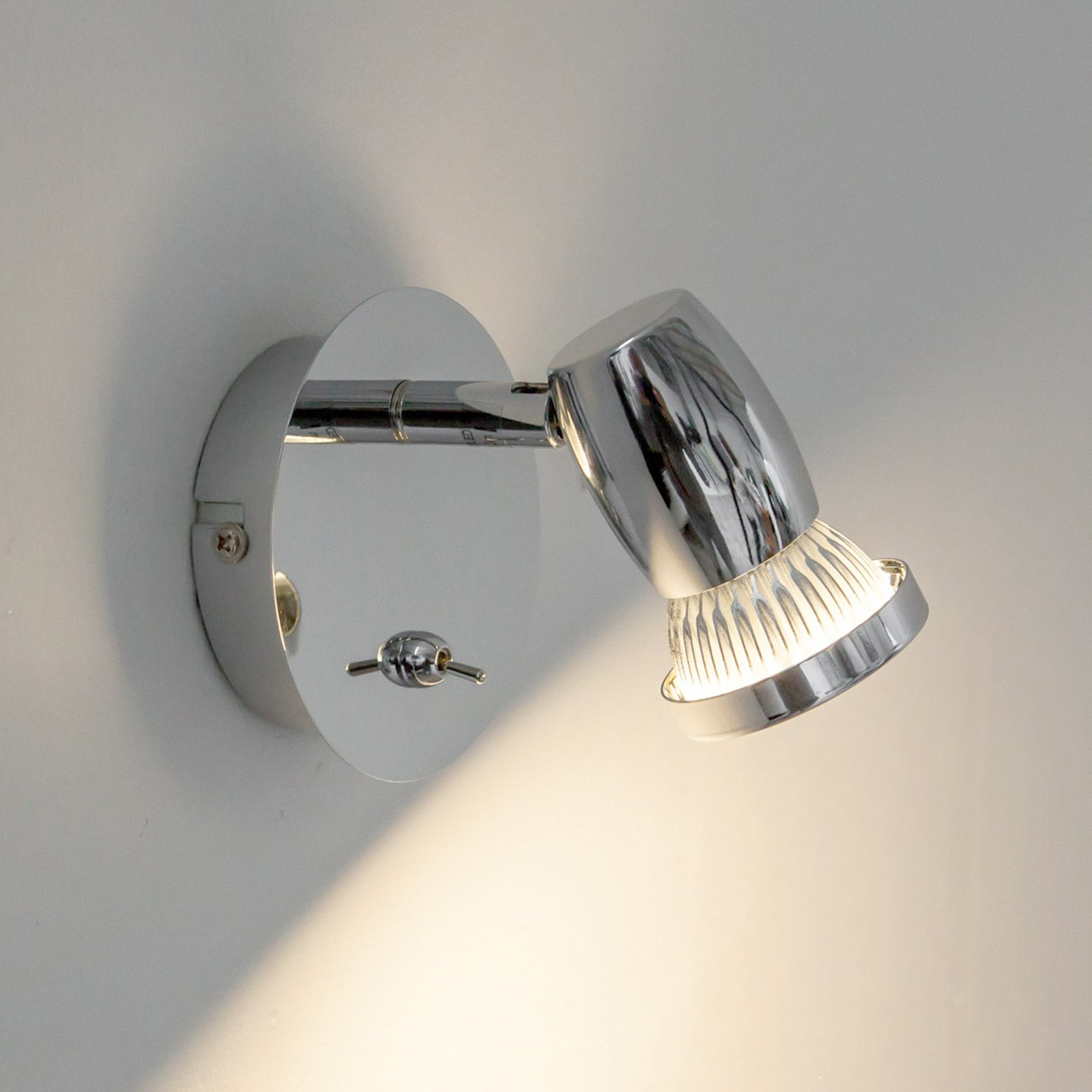Kromskinnende LED-vegglampe Arminius