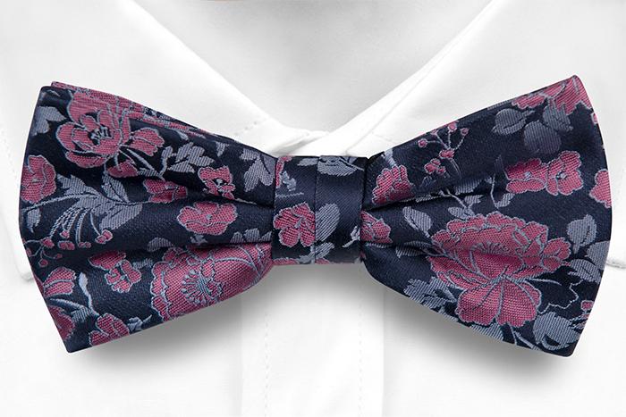 Silke Sløyfer Knyttede, Mørk marineblå sateng, rosa roser & lyseblå blader