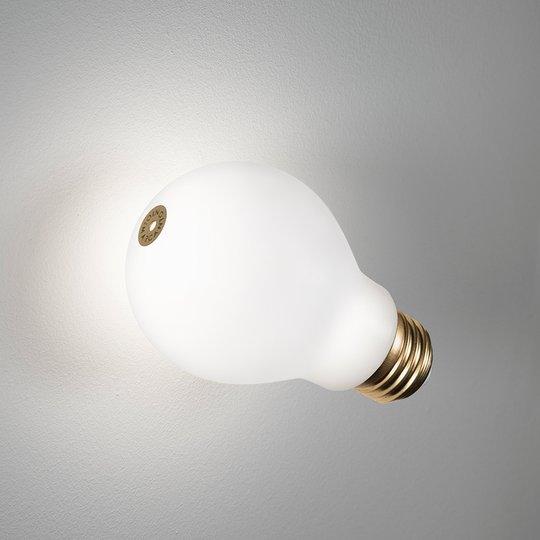 Slamp Idea LED-seinäuppovalaisin