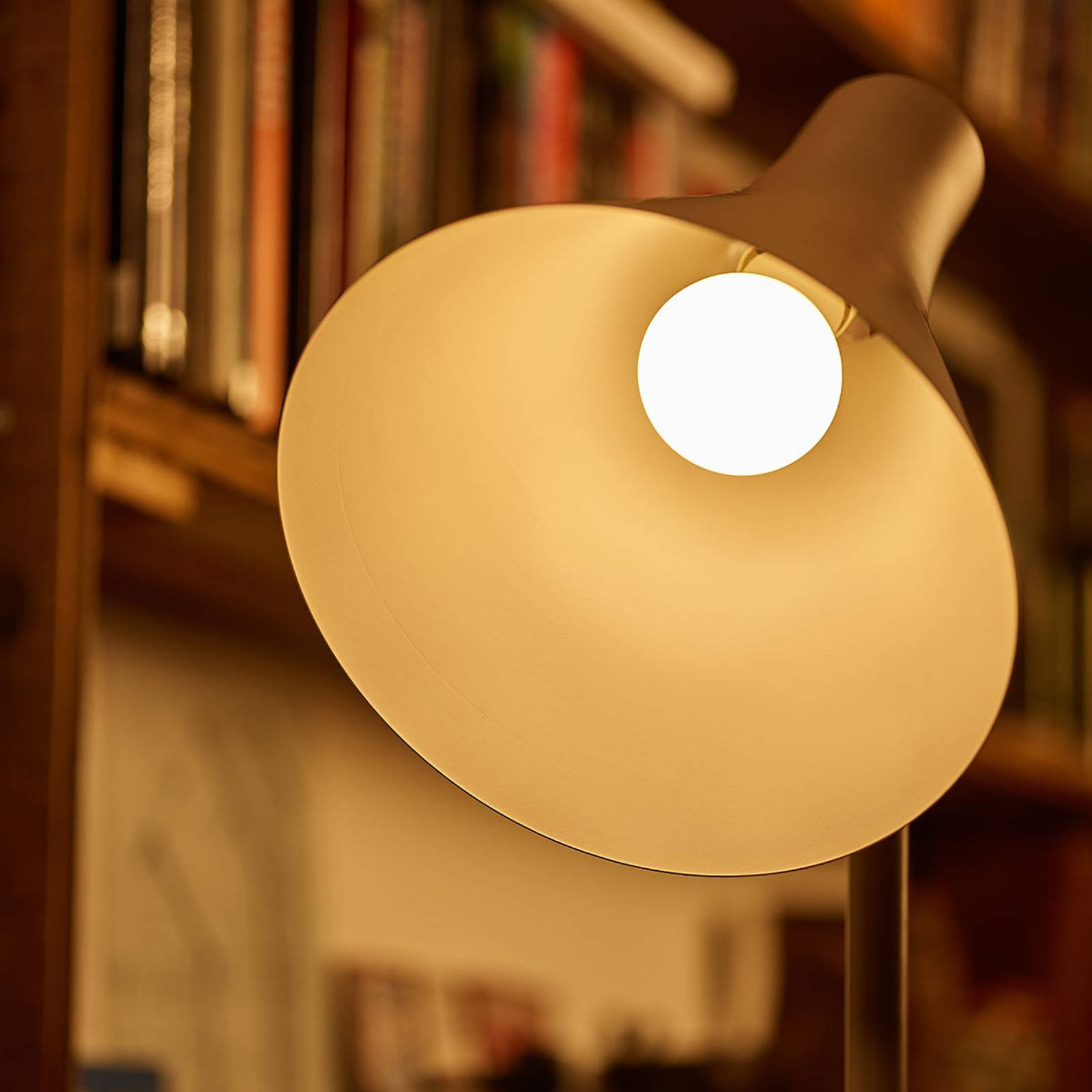 Philips E27 LED-pære WarmGlow 5 W matt, dimbar