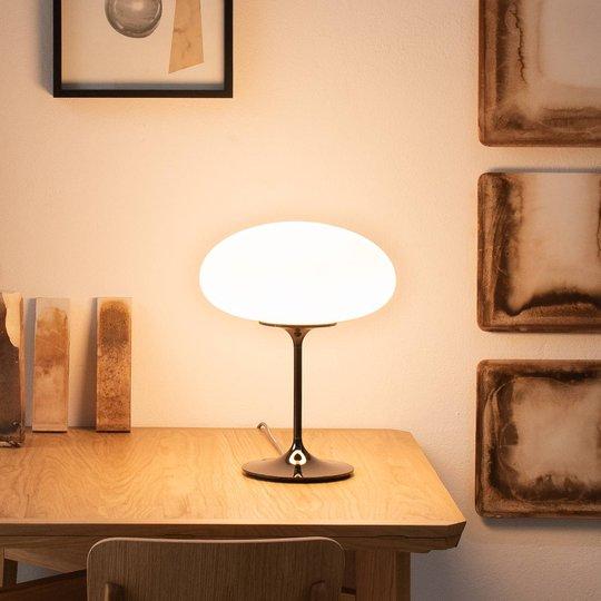 GUBI Stemlite bordlampe, svart-krom, 42 cm