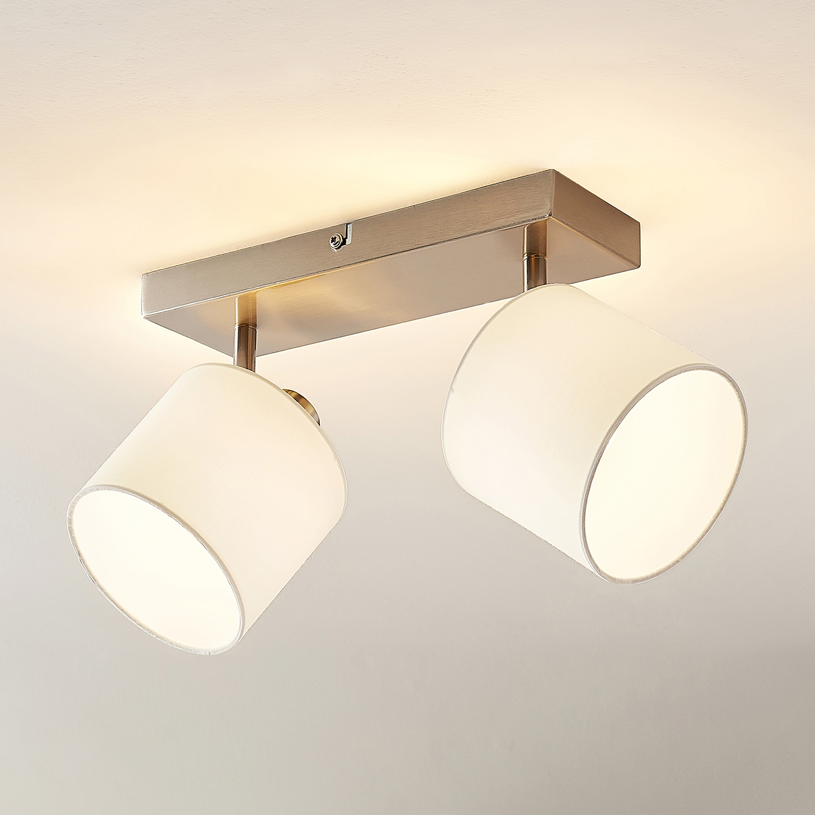 Lindby Stannis -kattokohdevalo, 2-lamppuinen