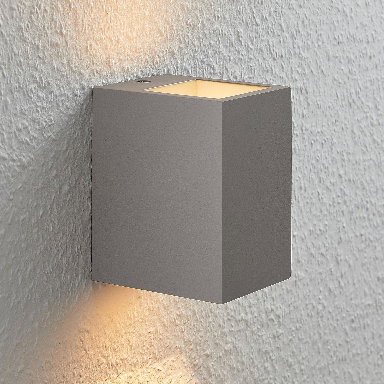 Betongvegglampe Smira i grått, 12,5x15cm