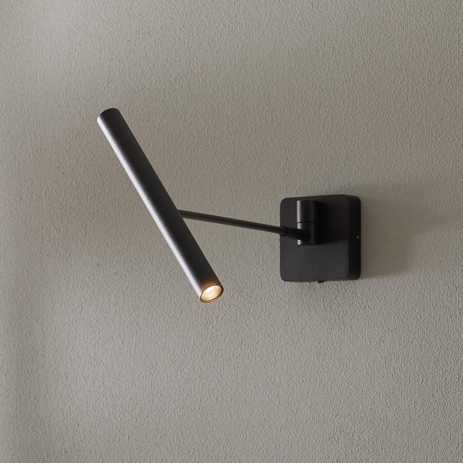 Wygo LED-vegglampe dimbar, vippbar, svart