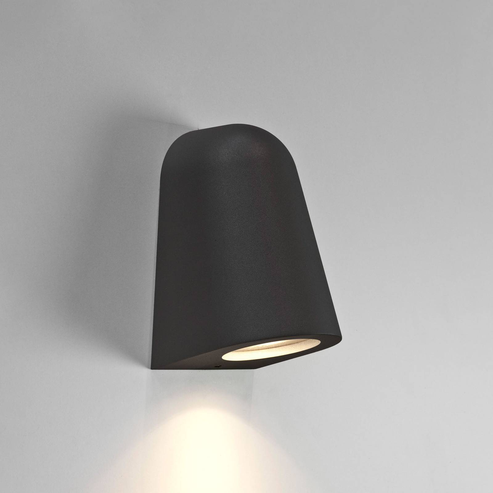 Astro Mast Light -ulkoseinälamppu, musta