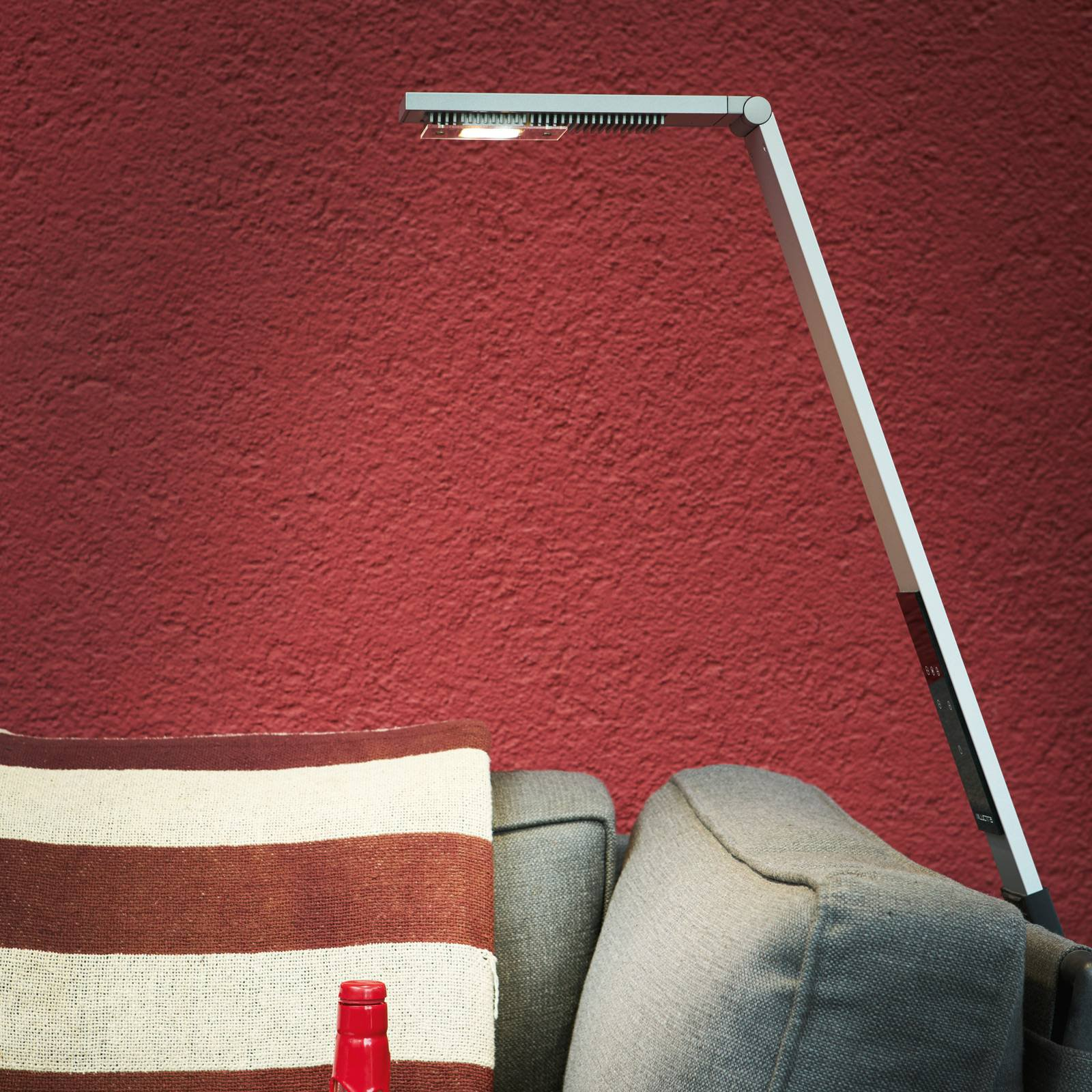 Luctra Flex LED-gulvlampe, trådløs, batteri alu