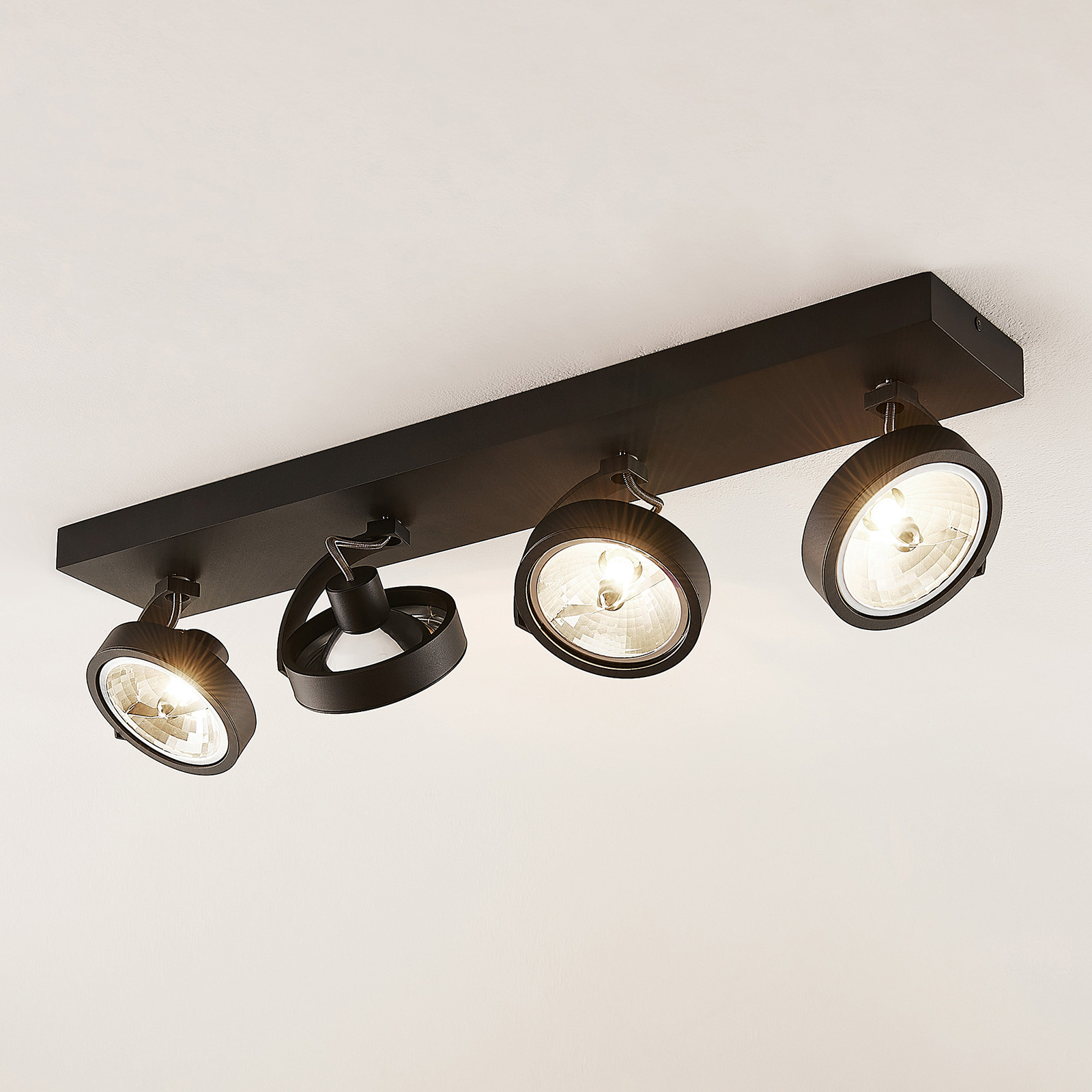Arcchio Dagur -kattovalo, 4-lamp., musta