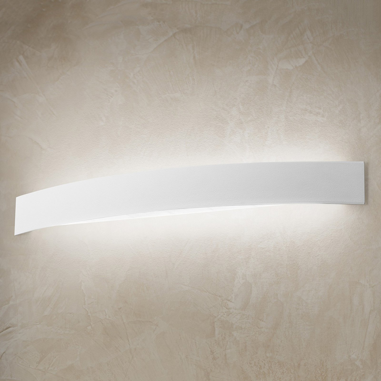 Bueformet LED-vegglampe Curve i hvitt