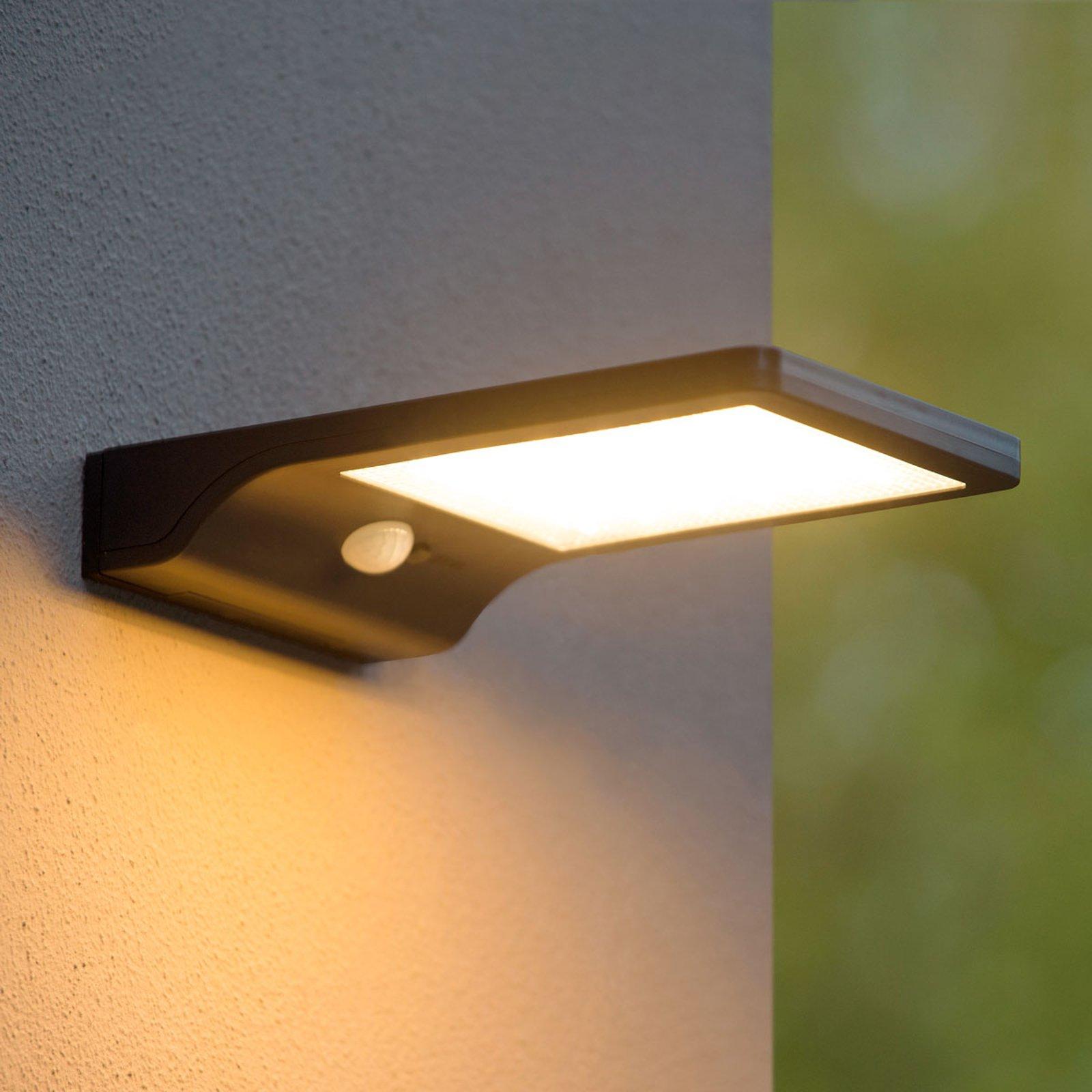 Basic soldreven utendørs LED-vegglampe med sensor