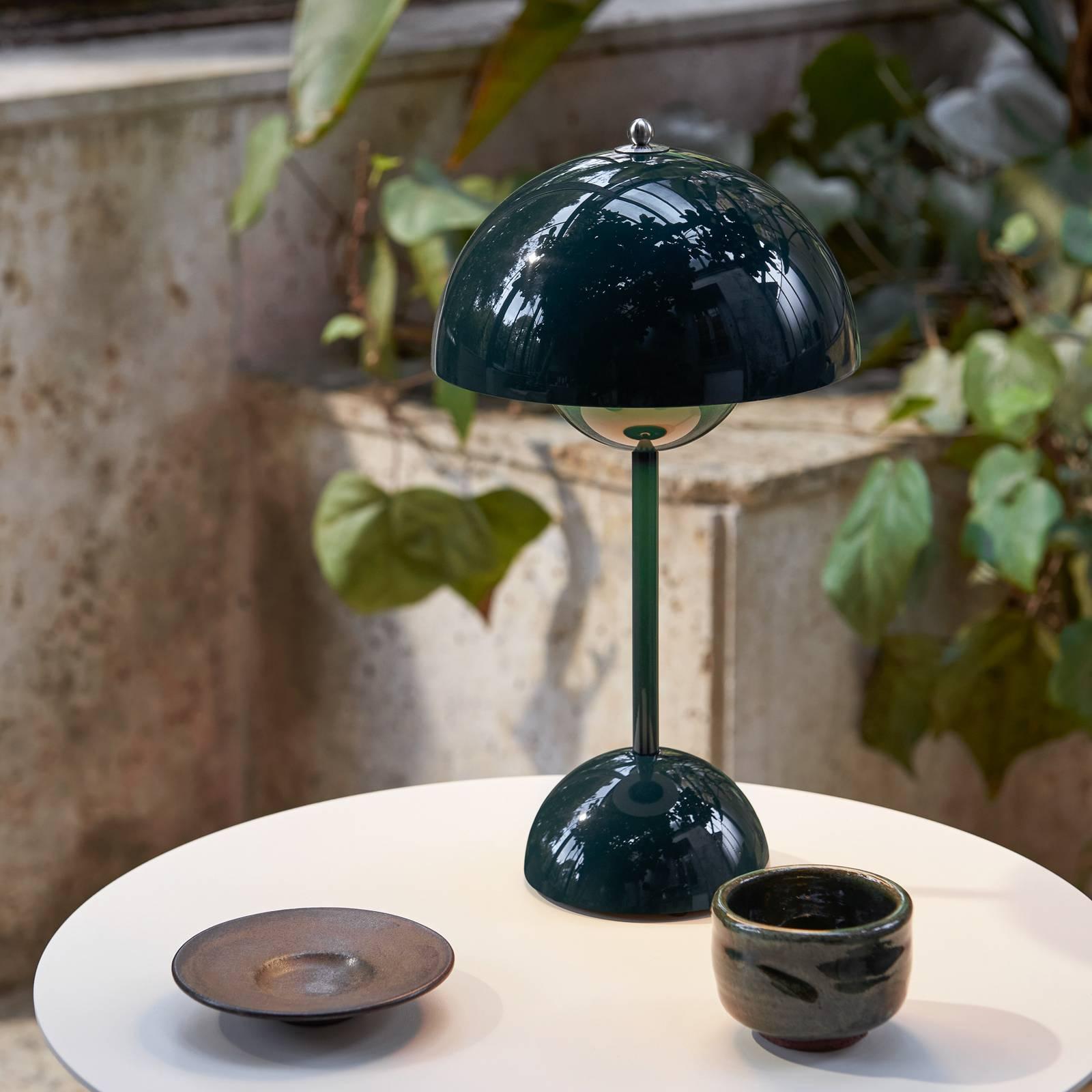 &Tradition Flowerpot VP9 -pöytälamppu tummanvihreä