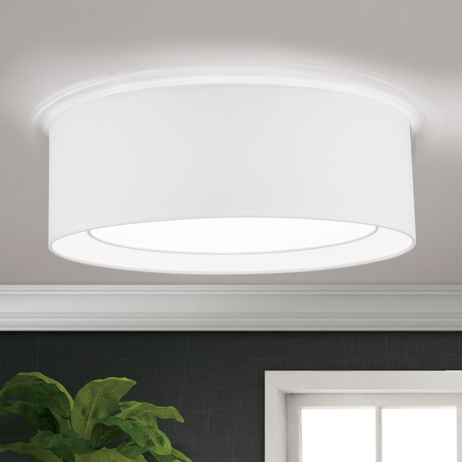 Rund taklampe i tekstil Antoni i hvitt
