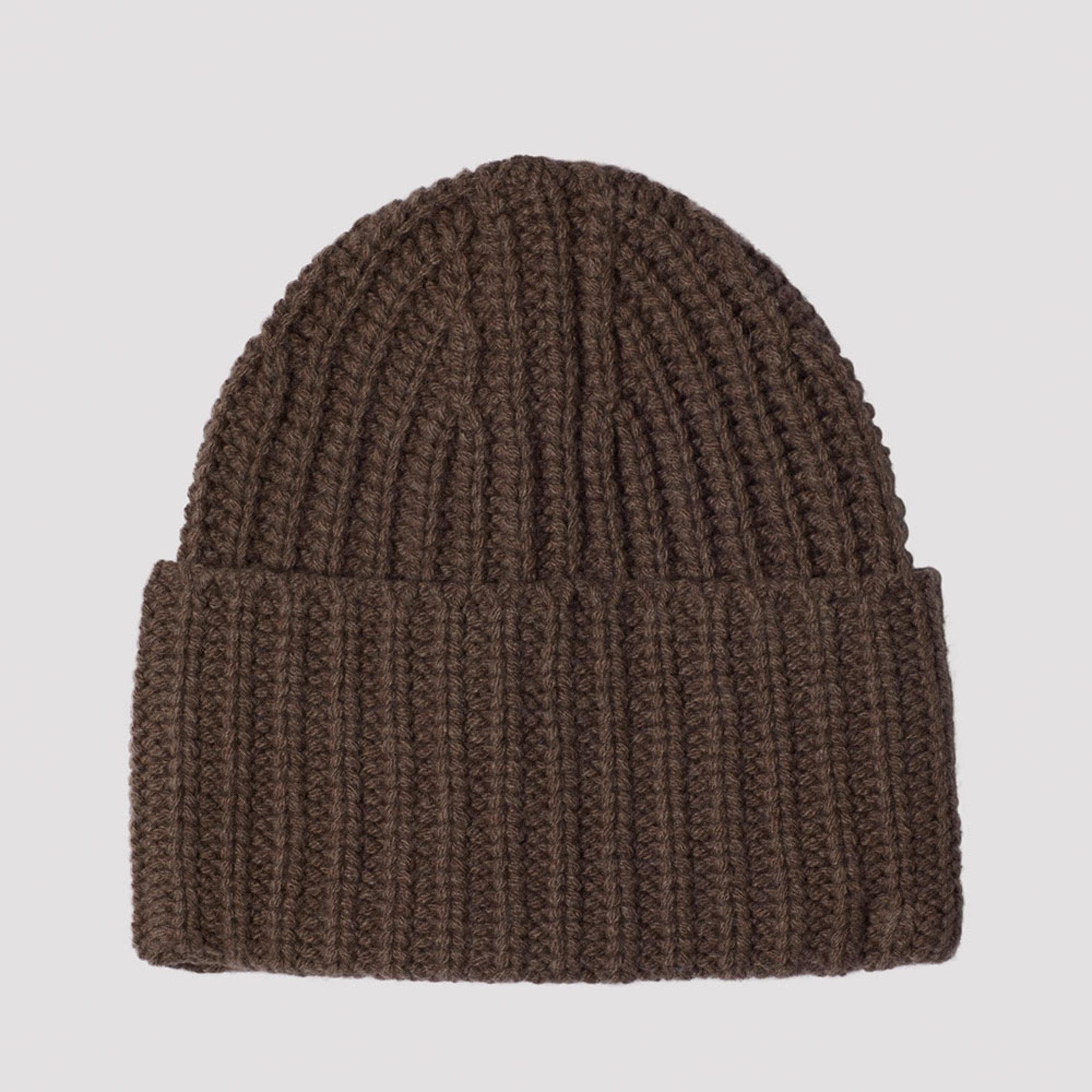 Corinne hat