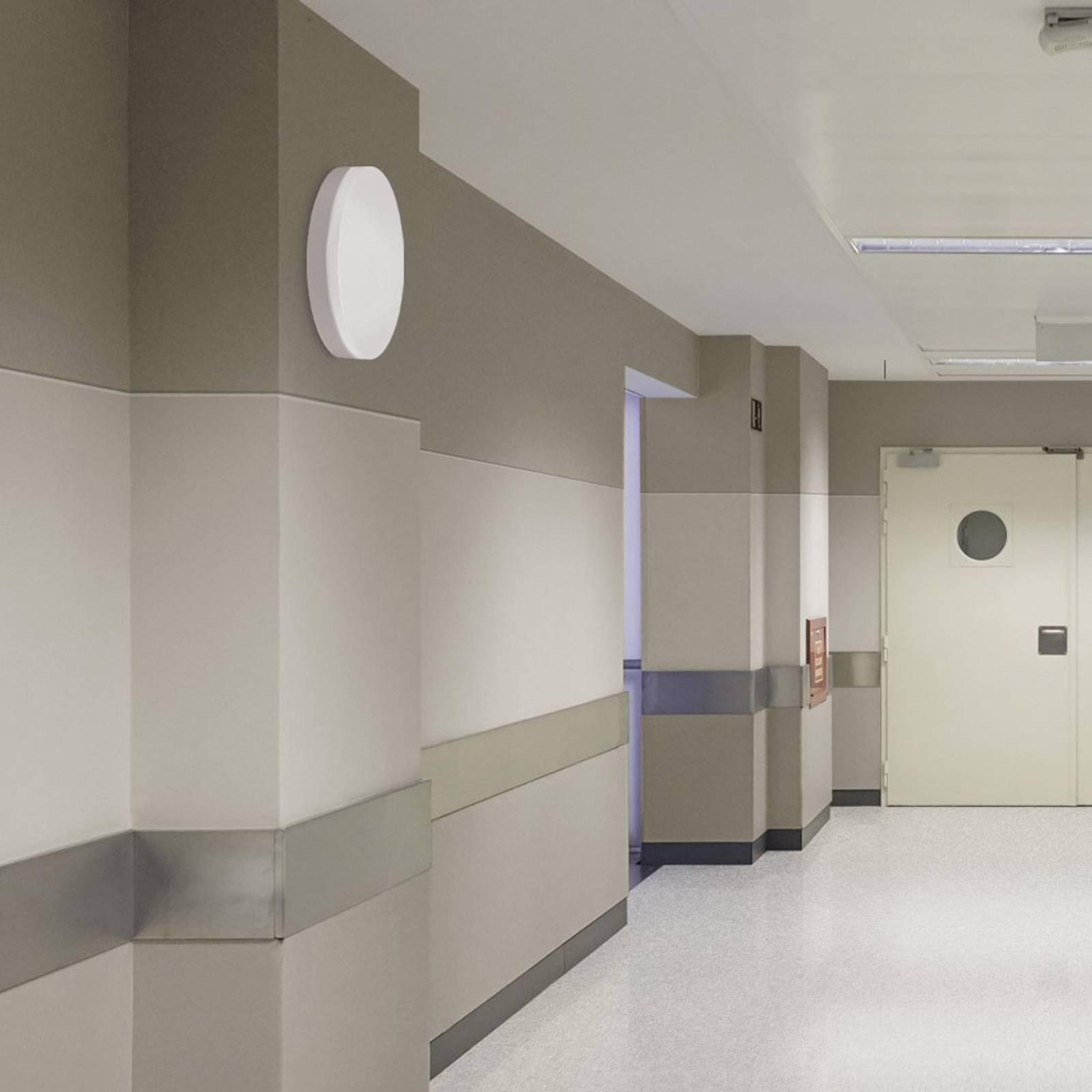 Kylpyhuoneen LED-kattolamppu Madison tunnistimella