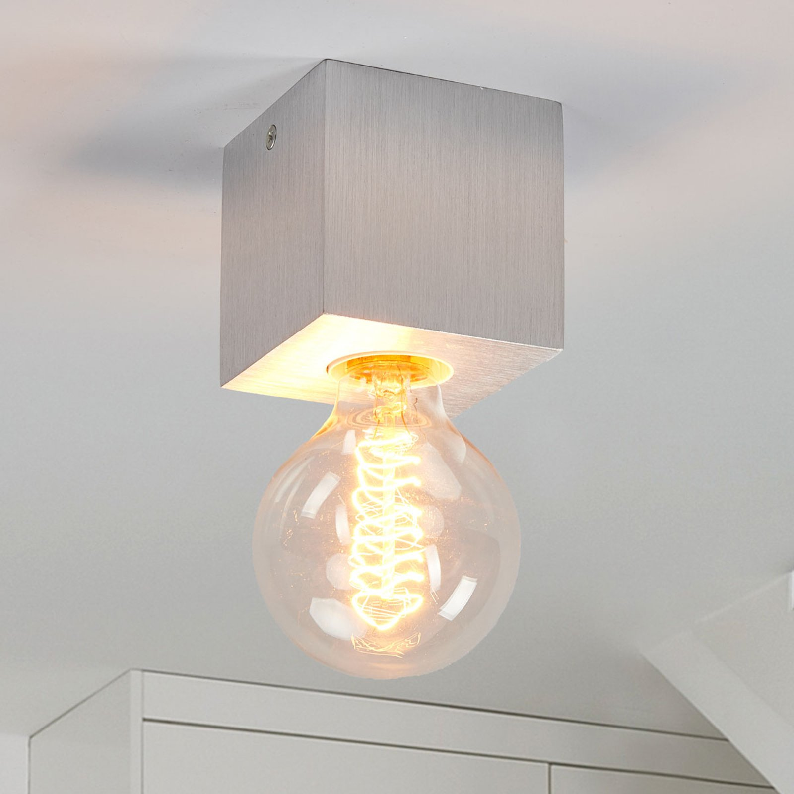 Taklampe Cubic i aluminium