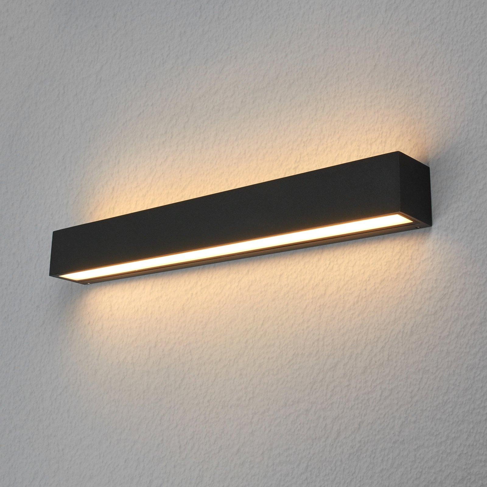 Kantet utendørs LED-vegglampe Tuana