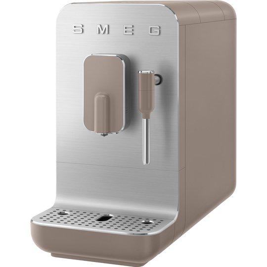 Smeg BCC02TPMEU espressomaskin med mjölkskummare