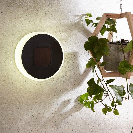 Aurinkokäyttöinen LED-lamppu Benka, pyöreä 20 cm