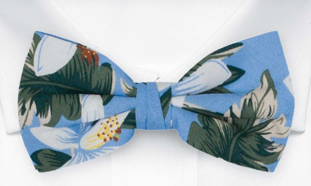 Bomull Sløyfer Knyttede, Hvite og grønne Hawaii-blomster på lyseblått