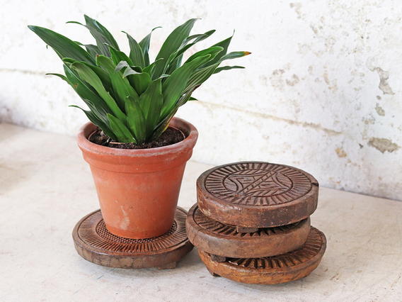 Vintage Round Wooden Coaster (Small) Brown