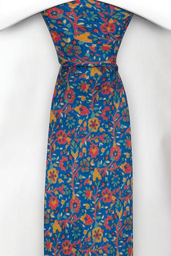 Silke Smale Slips, Små røde, grønne & orange blomster på blå base, Blå, Blomster