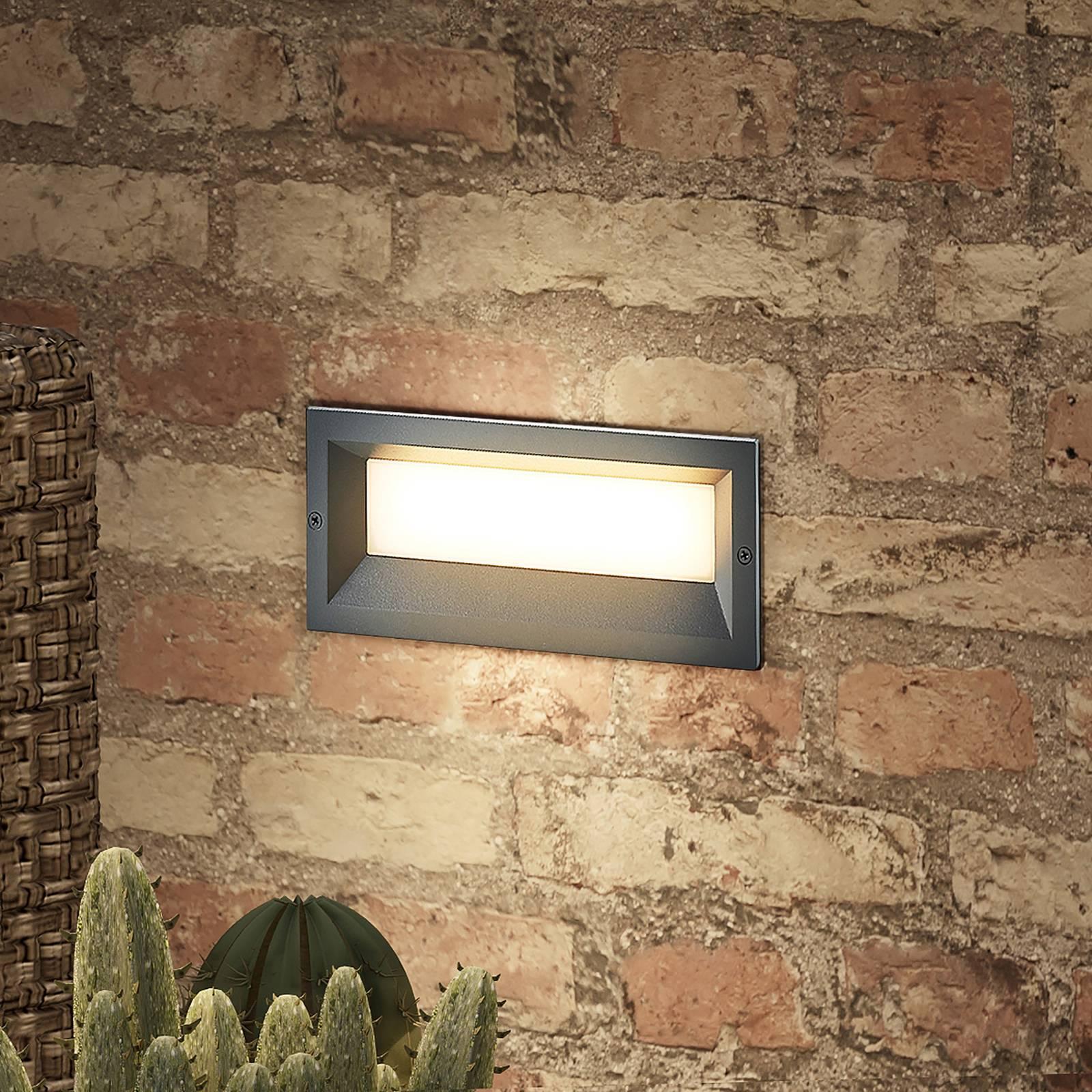 Lucande Lachlain -LED-seinäuppovalo ulkokäyttöön