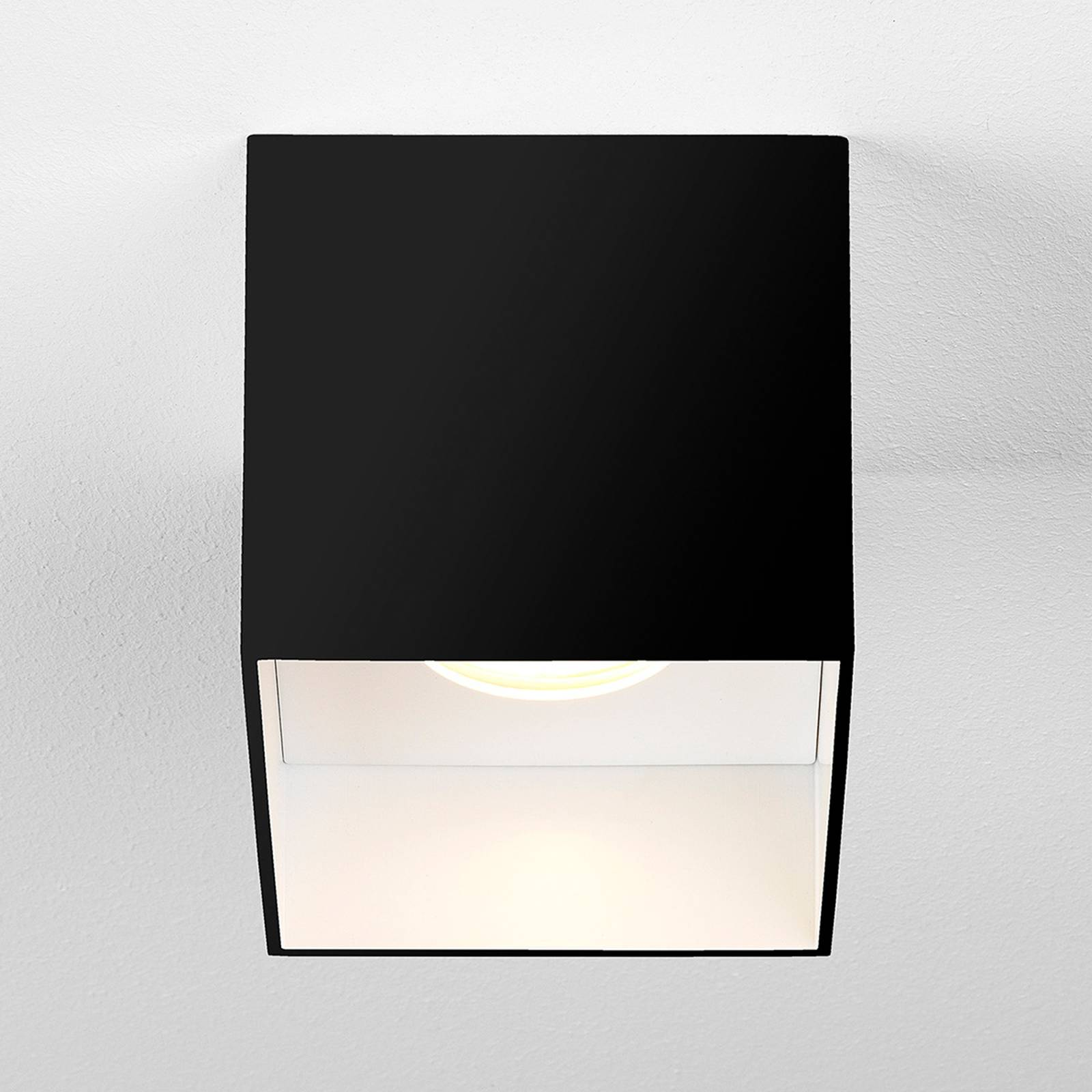 Astro Osca Square -LED-kattovalaisin, musta