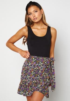 ONLY Olivia Wrap Skirt Black / Shore Flower L