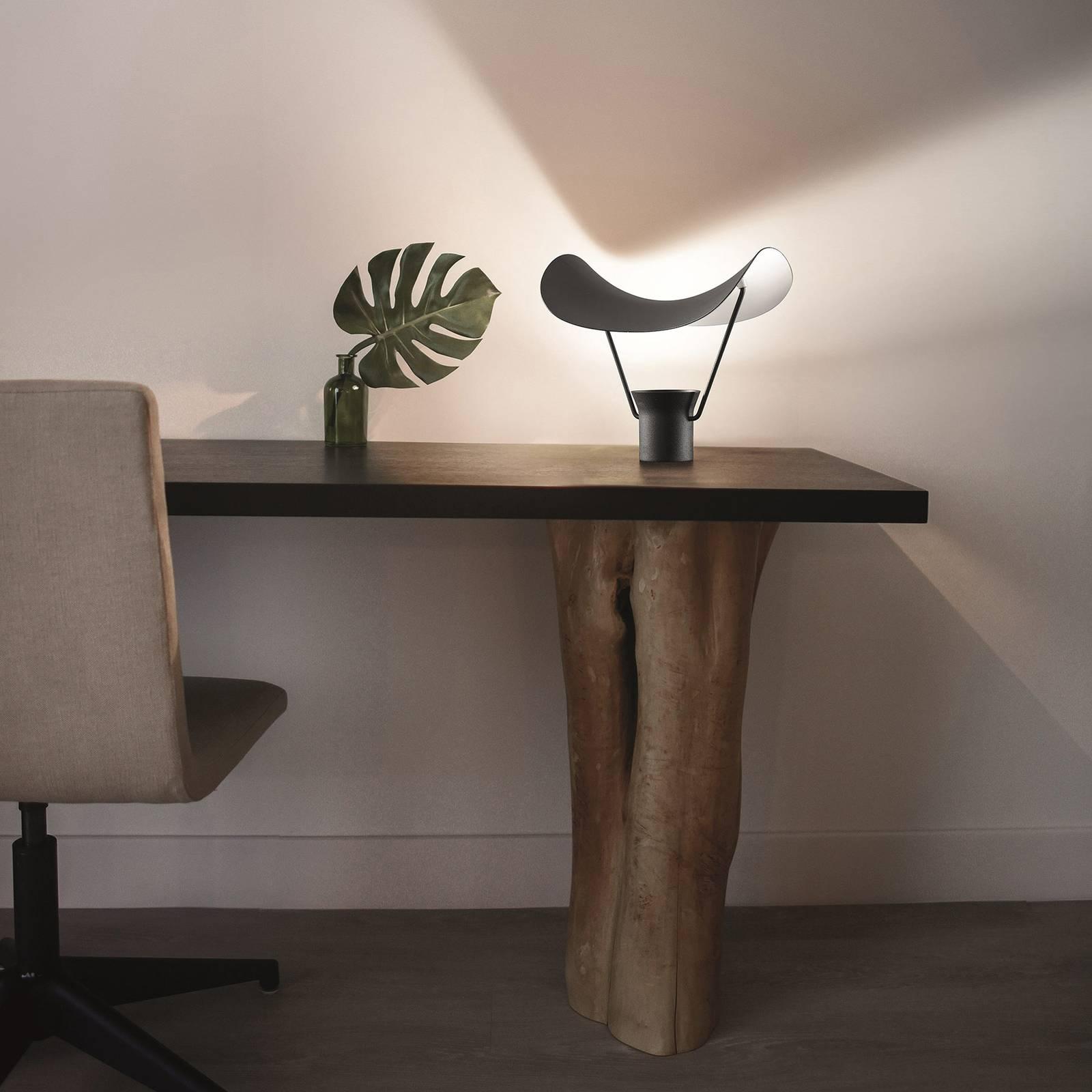 LED-pöytälamppu Vollee, himmennettävä, musta