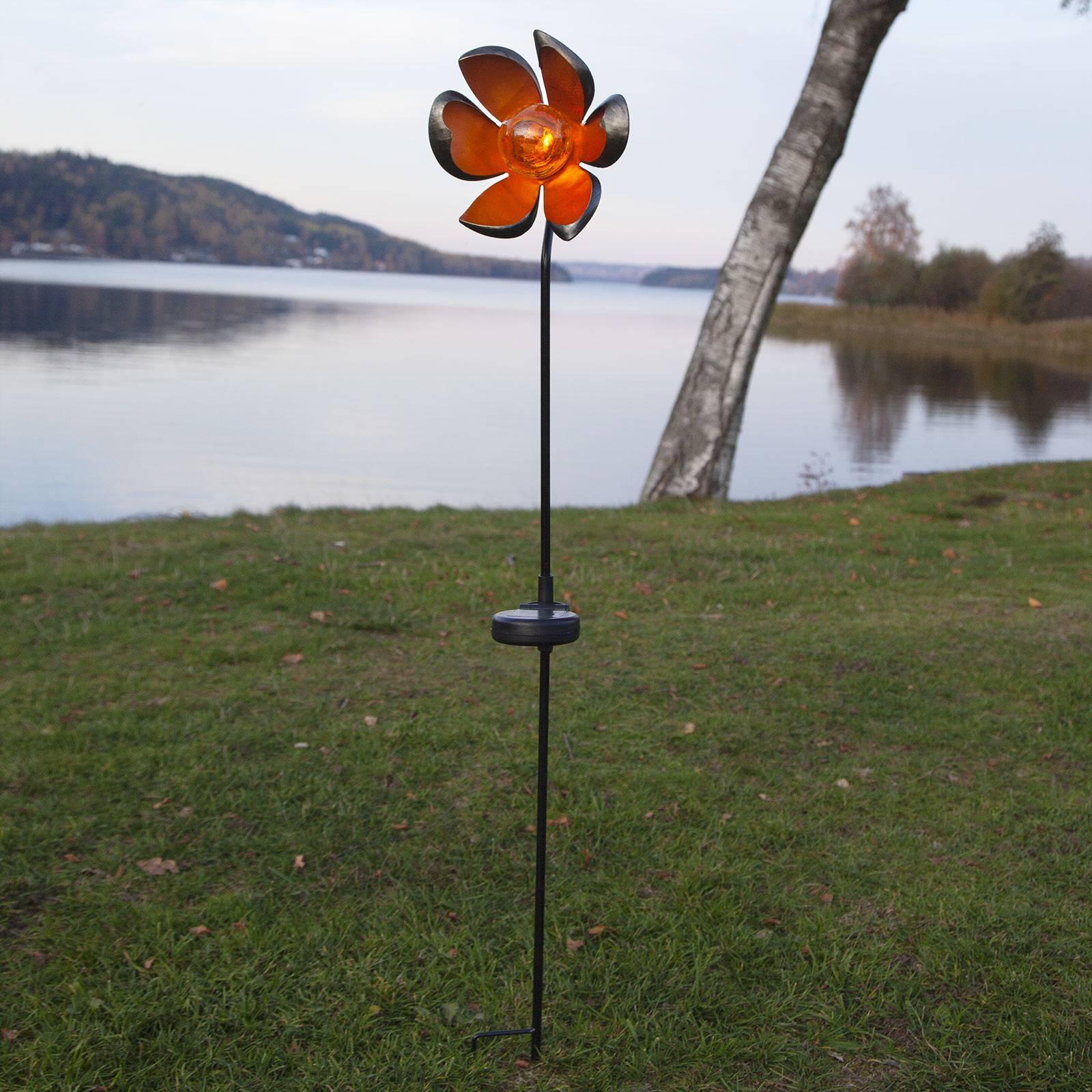 Aurinkokäyttöinen Melilla-LED-valaisin, kukka