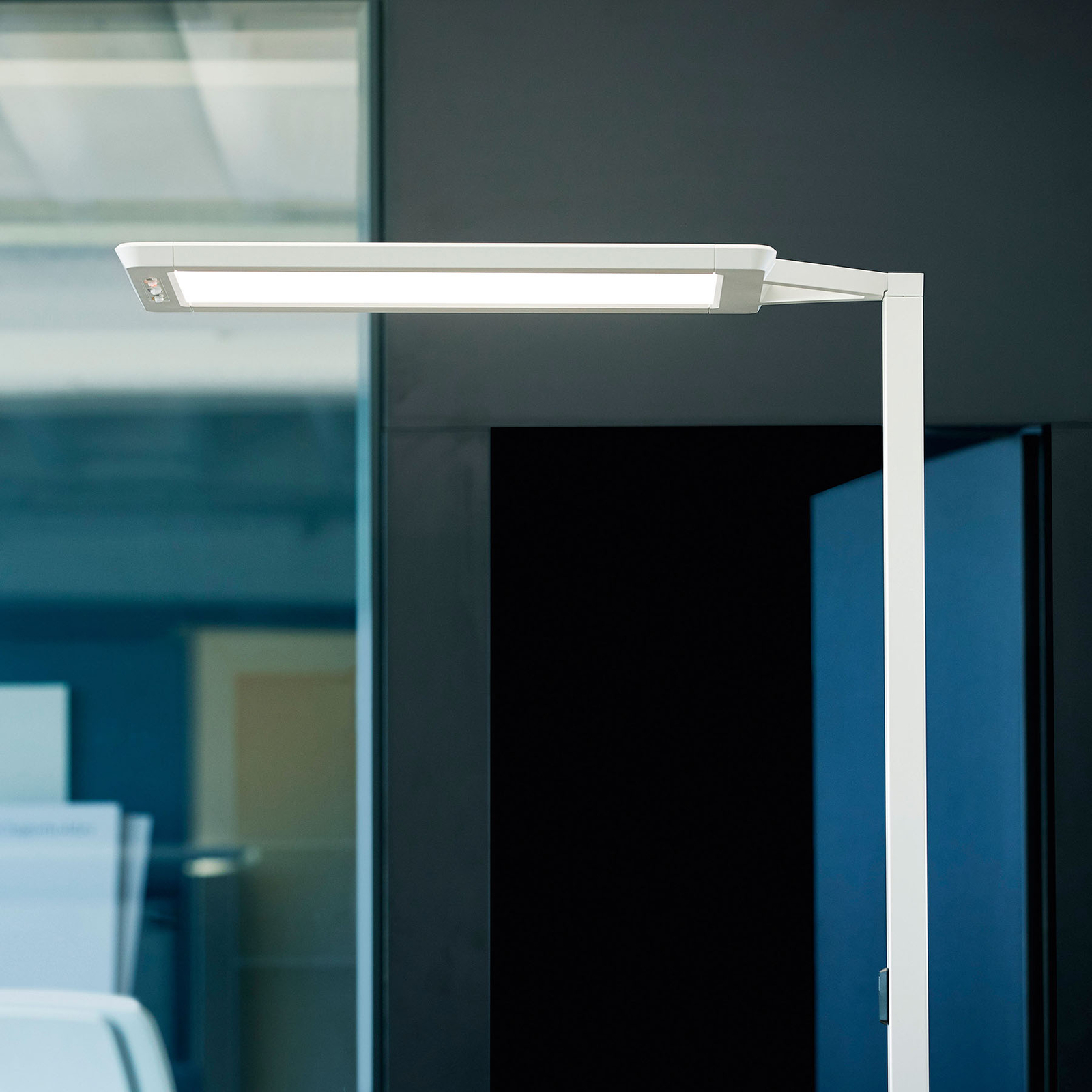 LED-lattiavalaisin Yara.single VTL, PIR, hopea